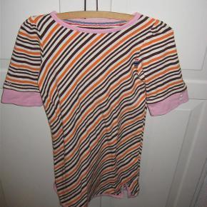 Flot stribet kjole.  Se også mine andre annoncer.  kjole Farve: se foto