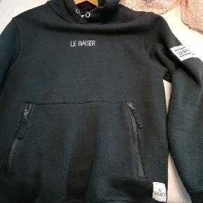 Le Baiser sweater