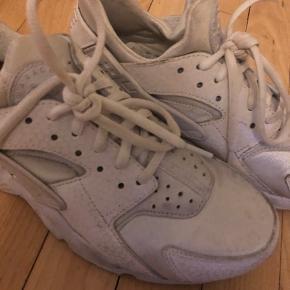 Nike Haurache all white