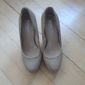 Bianco stiletter