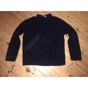 And Other Stories sort sweater med lurex. Str. L. Bytter ikke.