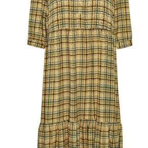 Smuk kjole fra Gestuz. Været på en enkelt gang.