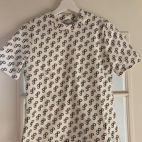 Saks Potts t-shirt
