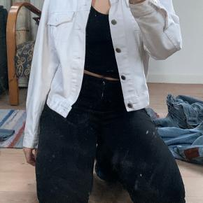 Hvid levis denim jakke  størrelse 38