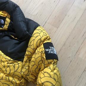 Næsten ny jakke  Str xs men svarer til str s