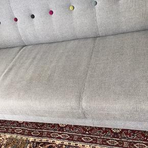 Velholdt sofa fra Sofakompagniet  - Ingen pletter - Ben i egetræ - 192 cm lang  - Ikke ryger hjem  - Skal bæres ned fra 1 sal. i Hvidovre  - Køber henter selv  - Har købt ny sofa, så skal derfor af med denne  Sig endelig til hvis der ønskes flere billeder 😊