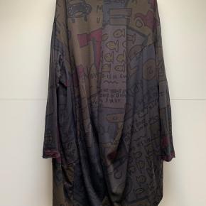 Smuk meget oversized kjole. Hedde str s men er en onesize   #30dayssellout