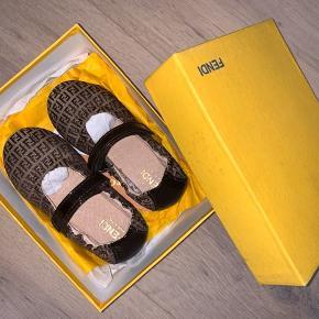Fendi sandaler