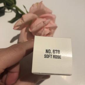 Så fin - men har samme tone i Chanel neglelak
