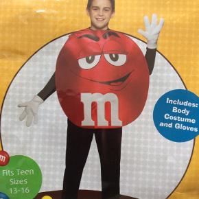 Udklædning. M&M kostume. Aldrig brugt, i emballage Rød bobbel og hvide handsker  Sender med DAO, køber betaler porto. Kan evt afhentes hos mig i Kbh K aften/weekend  ved forudbetaling