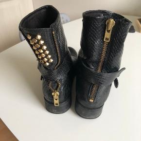 Fine støvler - god men brugt