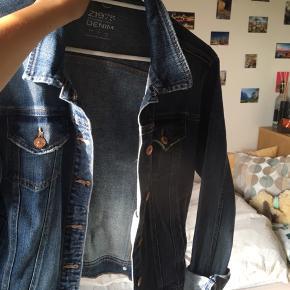 Mega fin denim jakke. Egentlig en str L, men hvis den skal passe lidt oversize så er den mere str Xs-S (jeg er Xs) :)