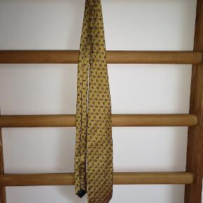 Vintage Kenzo silkeslips i brokadestil. Guld/kongeblå.