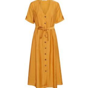 Skøn kjole fra Gestuz. Mp 400 pp  Se også mine andre annoncer med lækkert tøj og sko fra Ganni, Gestuz, Goya, Malene Birger, samsøe mfl.