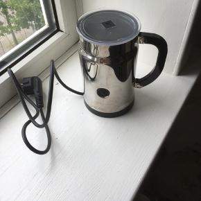 nespresso mælkeskummer👍👍er brugt men pæn stand ....