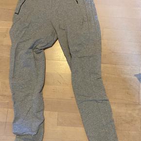 Super fine bukser/natbukser/jogging bukser fra Bjørn borg. Kun brugt en enkelt gang.