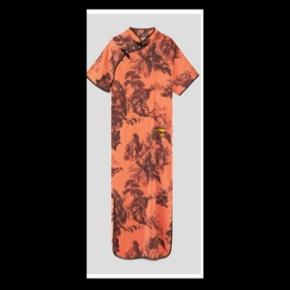 Smukkeste kjole fra Zara 🌸 Skriv hvis flere billeder eller informationer ønskes