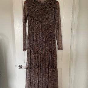 Noisy may kjole