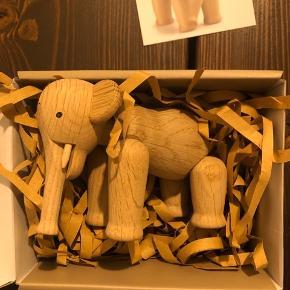 Kay Bojesen elefant i størrelsen 'lille'. Den har aldrig været i brug og sælges deres i original emballage, nypris er 1000kr