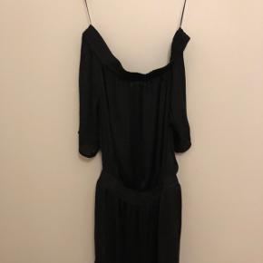 Skulderløs kjole 💛