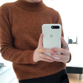 Sweater fra Second Female  Lille i størrelsen  NP - 900  SÆLGES BILLIGT