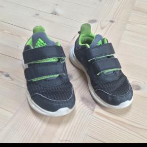 Adidas sko som er i meget pænt stand