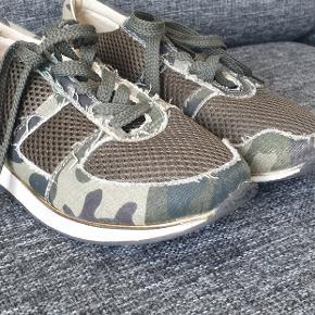 Maison shoeshibar sneakers