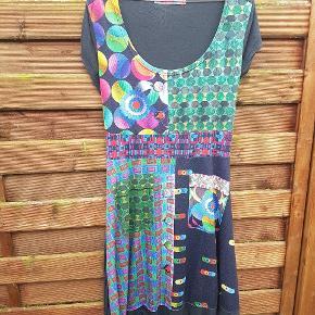 Vildt flot kjole 😍 Kan bruges med bindebånd
