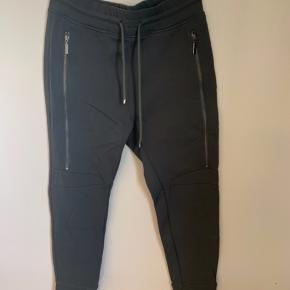 Brand: MAC  Stylenavn: Future Pants  Materiale: 94% polyamid og 6% elastan
