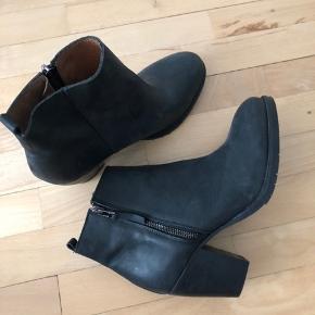 Støvler fra pavement som aldrig er brugt. I super god cond  Np var omkring 900 Mp er 300