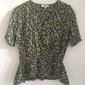 Fin bluse fra MAGASIN DU NORD 🌱 Aldrig brugt ✨ Str S 🌸 75 kr pp 💸  #30dayssellout