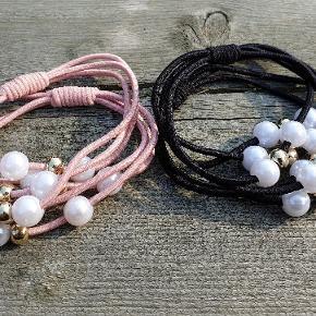 Søde hår elastikker med perler.  25,- stk Kan også bruges som armbånd ❤  Gratis fragt Sendes som brev ☀️ Husk at tjek profilen ud for mange flere spændene ting.