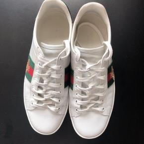 - Gucci Ace Embroidered Leather Trainers with a golden BEE -  Shoes are in a great condition, I love & care for all of my designer pieces - Selling due to moving to a new place - I  prefer a light traveling:) - I'm located in central Copenhagen