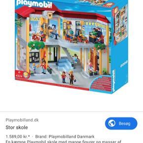 Super fed playmobil skole. Nærmest ikke brugt, og sælges billigt!  Der hører også nogle få figurer med.  🏫