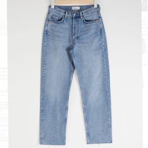 High Waist, Straight leg Jeans, str 31.