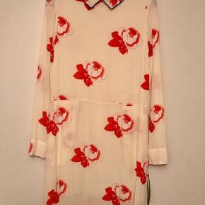 Sælger den fine kjole fra Ganni str.36 aldrig brugt. Købspris 1399kr