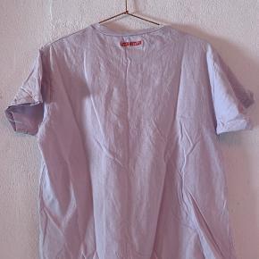 T-shirt fra envii - brugt et par gange