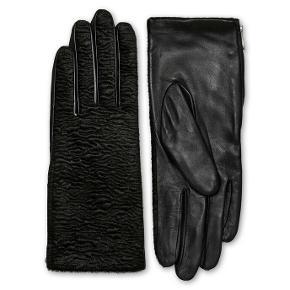 Smukke, smukke handsker - desværre for små, så aldrig brugt! Glat skind på indersiden og pels på ydersiden. Størrelsen svarer ca. til str. 7 vil jeg mene (er selv 8)