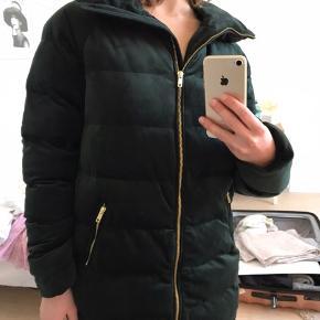 Beautiful coat, never used.