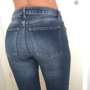 Acne jeans  Str 28/32 Fejler intet   Np 1300kr Mp 300kr
