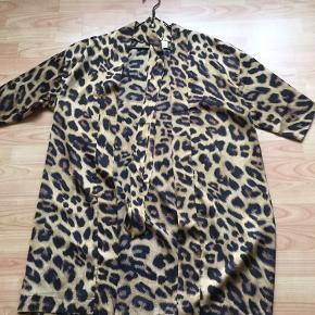 Lækker leopard kimono 👍brugt 2 gange som ny👍