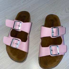 Shoe//Design sandaler