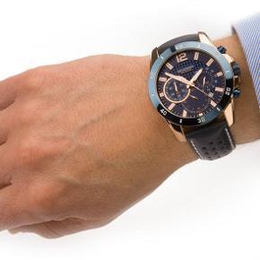 Lækkert nyt ur med læderrem fra Sekonda. Har aldrig været brugt.  Sekonda Men's Leather Strap Chronograph Watch PRODUCT CODE : 1489