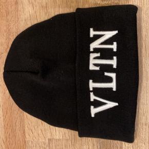 Valentino hat & hue