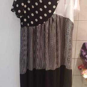 Shellys London kjole