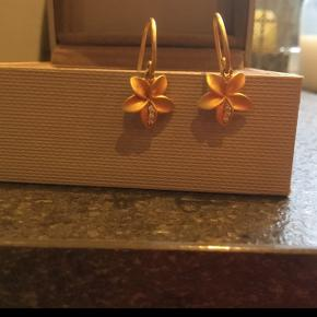 Søde øreringe brugt 1 gang