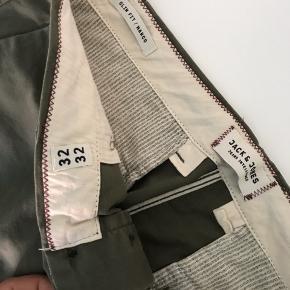 Chinos fra Jack and jones størrelse 32x32.   Sendes med dao eller mødes i København