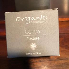 Super godt frisør produkt som kun sælges i salonerne. 85 ml og kun brugt få gange.  Det hedder Control Texture.  Nypris 160 kr.
