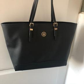 Tommy Hilfiger håndtaske