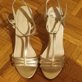 Sandales argentées, simili cuir, talon 9 cm